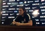 """Cássio se frustra com gols sofridos contra o Penapolense: """"Não é normal"""""""