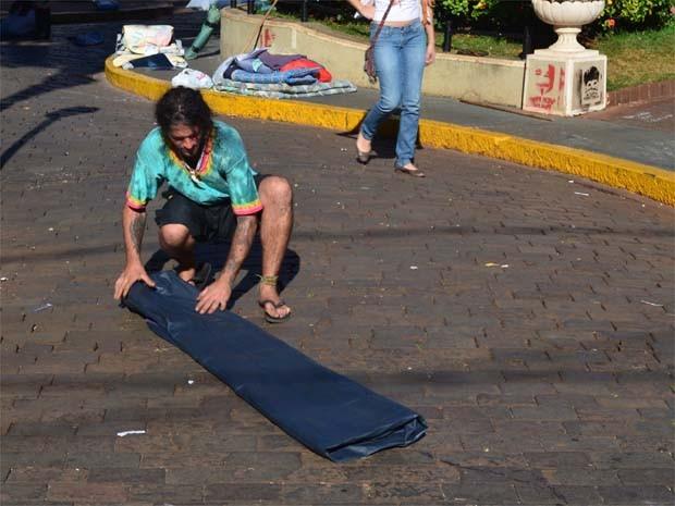 Acampados deixaram o Paço Rio Branco em Ribeirão domingo (7) (Foto: Leandro Mata/G1)
