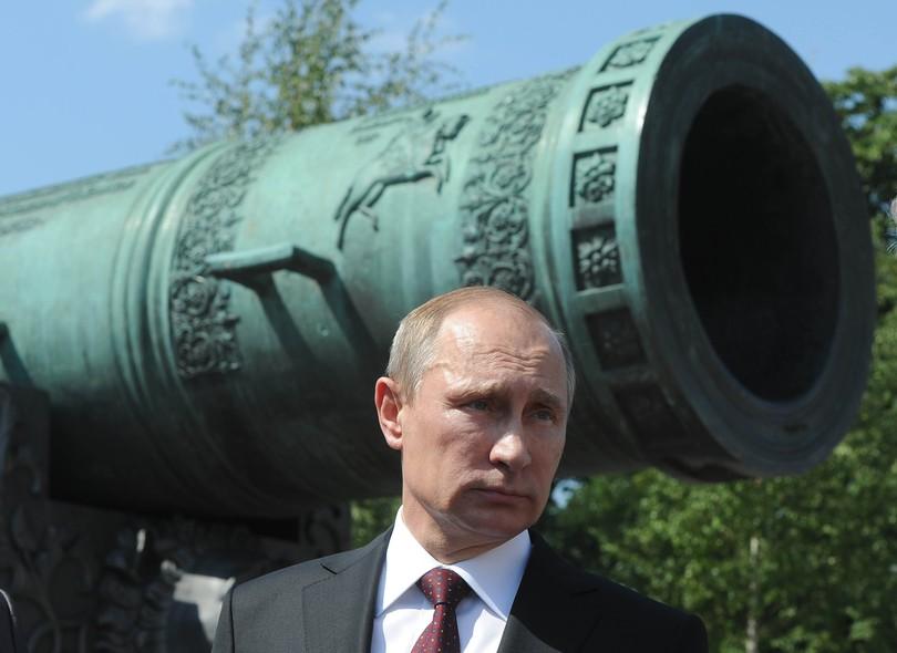 O presidente da Rùssia, Vladimir Putin, durante um encontro em frente ao