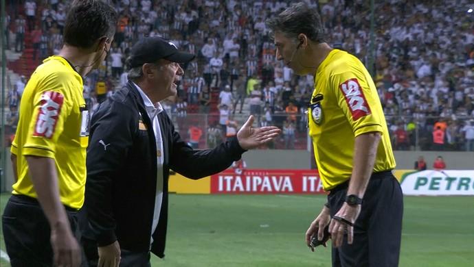 Levir é expulso em partida contra o Palmeiras (Foto: Reprodução \Sportv)