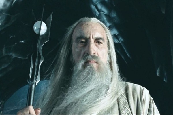 Christopher Lee como Saruman de 'O Senhor dos Anéis' (Foto: Divulgação)