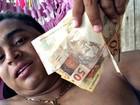 Servidor preso fez selfie exibindo dinheiro (Divulgação/Polícia Civil)