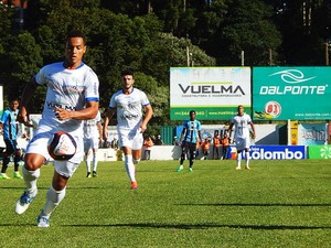 Veranópolis x Grêmio Antônio David Farina Jean Carlos atacante (Foto: Luana Trentin / Veranópolis E.C.R.C.)