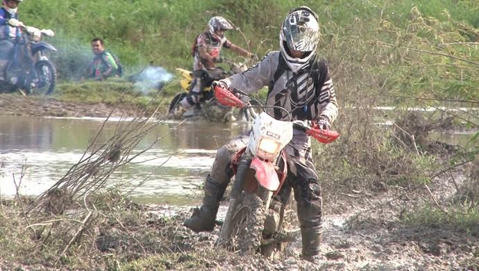 Trilhão reuniu mais de 600 motociclistas em Ji-Paraná (Foto: Reprodução/Tv Ji-Paraná)