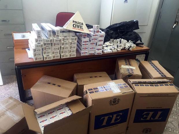 Polícia apreende cerca de 5 mil maços de cigarros em Santa Rita do Sapucaí (Foto: Reprodução EPTV)