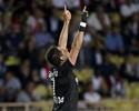 Com gol 100 de Chicharito na Europa, Leverkusen empata com o Monaco
