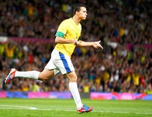 Leandro Damião, Coreia do Sul x Brasil (Foto: Agência Reuters)