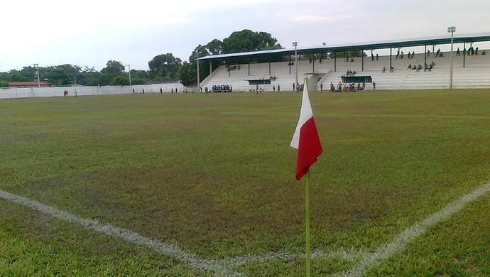 Jabortão recebeu verba para melhorias no gramado,. vestiário, arquibancadas e iluminação (Foto: Divulgação)