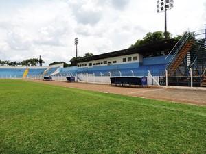 Estádio Breno Ribeiro do Val Osvaldo Cruz (Foto: Clayton Santos / Globoesporte.com)