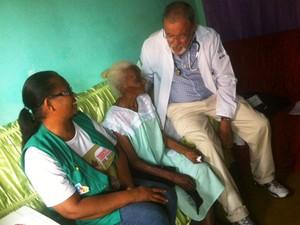 Raul Ramalho em visita a  domicílio em Nova Constituinte (Foto: Raul Ramalho / Arquivo Pessoal)