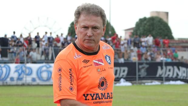 Edson Gaúcho, técnico do Remo (Foto: Anderson Silva / GLOBOESPORTE.COM/AM)