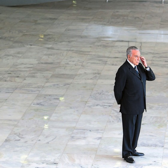 O Presidente Michel Temer  no segundo andar do Palácio do Planalto (Foto: Adriano Machado / Reuters)