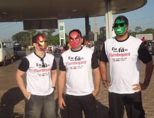 'Mascarados' ajudam os competidores do Rallye (Foto: Pedro Cruz)