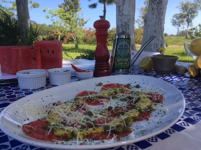 Carpaccio de melancia é uma das receitas da série desta quarta (Foto: RBS TV/Divulgação)