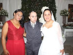 Leonice Leia professora que apresentou o casal  (Foto: Amanda Dourado/G1)