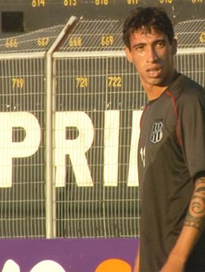 Atacante Rildo em treino da Ponte Preta (Foto: Carlos Velardi/ EPTV)