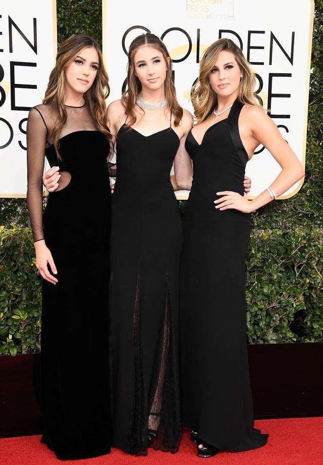 Lindas, irmãs Stallone fazem début no tapete vermelho do Globo de Ouro
