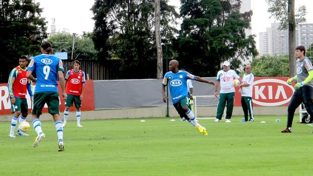jogadores no treino do Palmeiras (Foto: Marcelo Prado / Globoesporte.com)