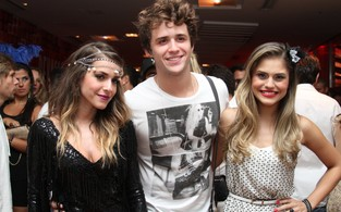 Monique Alfradique,Gil Coelho e Jessica Alves (Foto: Cleomir Tavares/ Divulgação)
