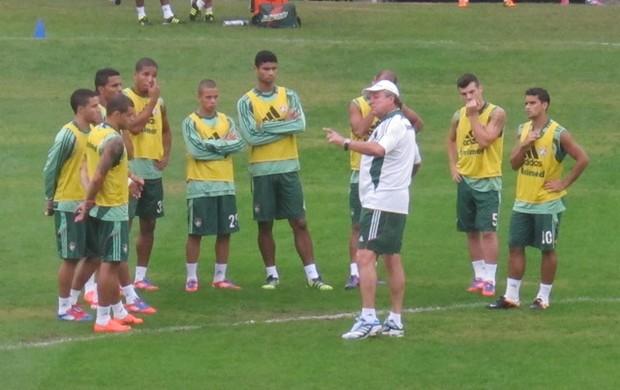 Abel orienta treino Fluminense (Foto: André Casado / Globoesporte.com)