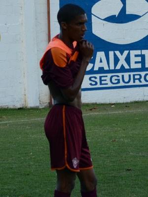 Atacante Fernando Karanga não marca há 13 rodadas (Foto: Tiago Campos)