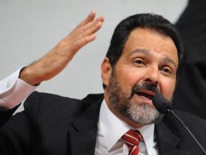 Governador Agnelo Queiroz em depoimento à CPI do Cachoeira (Foto: Wilson Dias / Agência Brasil)