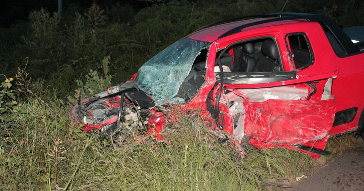 Homem morre em colisão entre carro e caminhão em Ponte Serrada - Globo.com