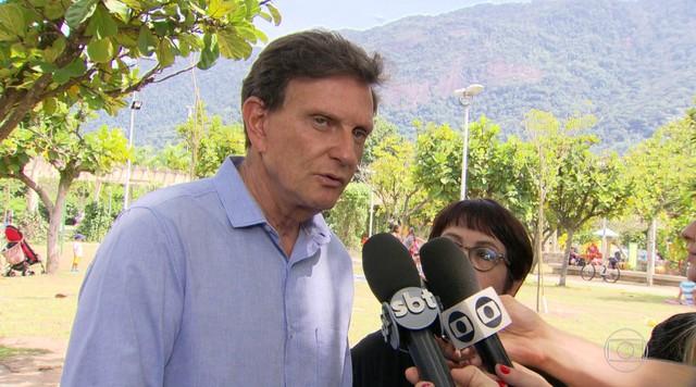 Marcelo Crivella (PRB) recebe sugestões sobre meio ambiente de Aspásia Camargo