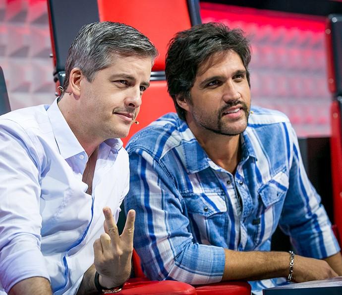 Victor & Leo posaram para os fãs na plateia (Foto: Isabella Pinheiro / Gshow)