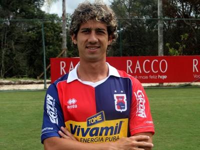 Volante Éder Paraná Clube (Foto: Site oficial do Paraná Clube/Divulgação)