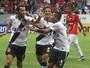 Técnico isenta goleiro do Vila Nova e dá méritos para Nenê em gol do Vasco