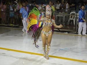 Desfile da Novo Império (Foto: Renan Chagas/ G1)