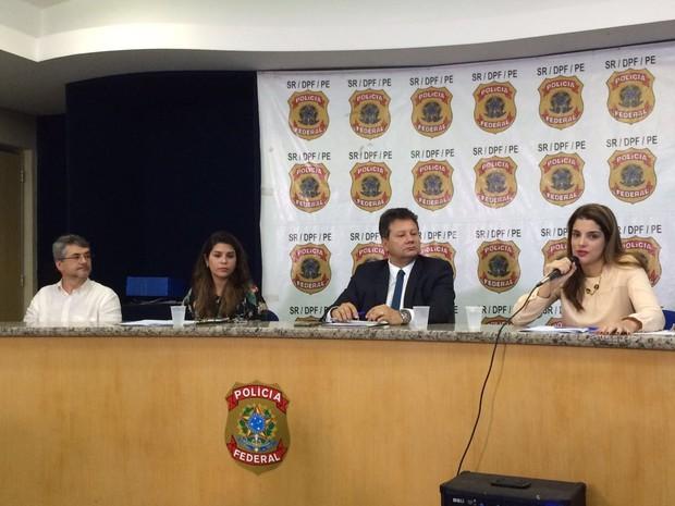 Delegados detalham Operação Manager na sede da PF em Pernambuco (Foto: Thays Estarque/G1)