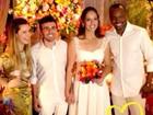 Na beca, Thiaguinho e Fernanda Souza e são padrinhos de casamento