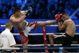 Ex-NBA é derrotado em estreia no kickboxing devido a corte na perna