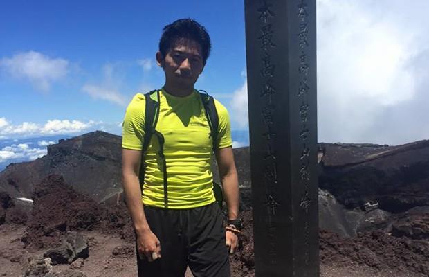 O alpinista Nobukazu Kuriki perdeu nove dedos das mãos em tentativa de escalar o Everest  (Foto: Reprodução/Facebook/Nobukazu Kuriki)