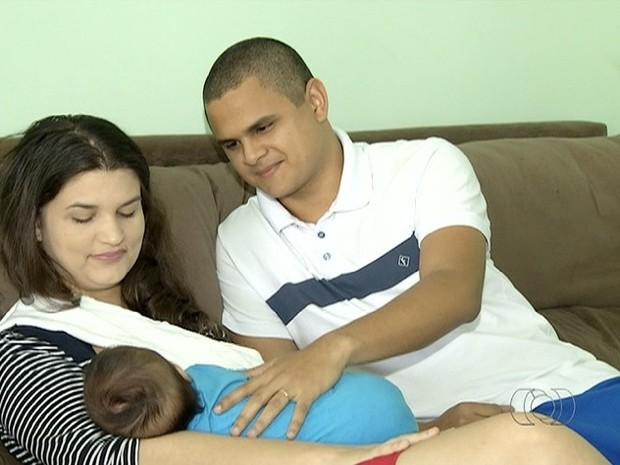 Empresas poderrão estender licença paternidade  (Foto: Reprodução/TV Anhanguera)