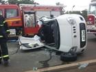 Carro tem teto arrancado em batida, e motorista e passageiras sobrevivem