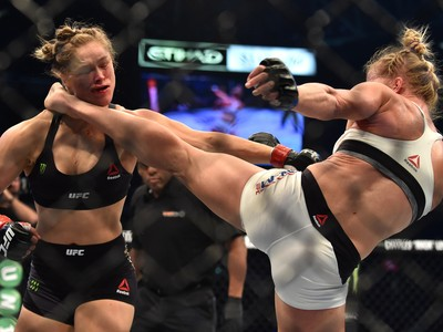 Holly Holm Ronda Rousey MMA UFC 193 (Foto: Paul Crock/AFP/Getty Images)