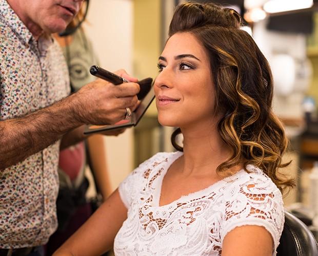 Fernanda Paes Leme se prepara nos bastidores do SuperStar (Foto: Camila Serejo/SuperStar)