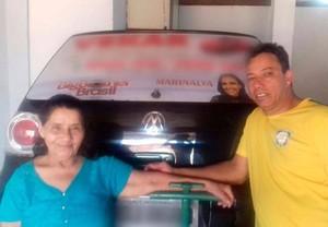 Mãe e irmão de Marinalva na torcida (Foto: arquivo pessoal)