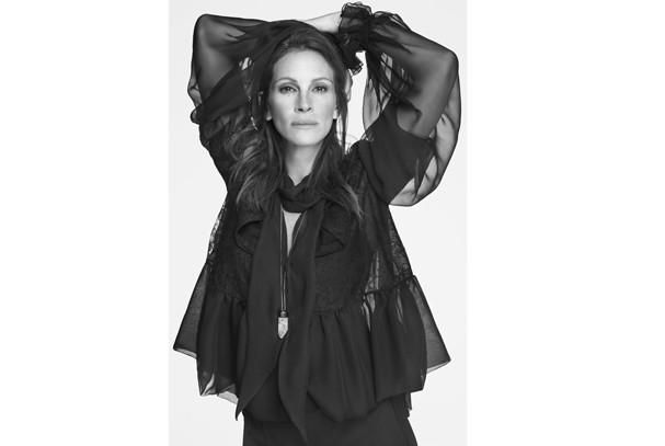 Mais uma foto de Julia Roberts pra Givenchy. Uau! (Foto: Divulgação)