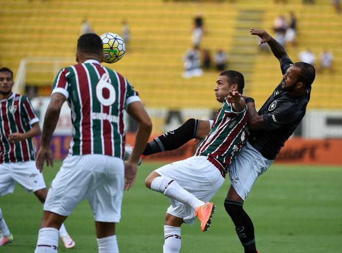 Fluminense x Botafogo em Volta Redonda (Foto: André Durão)