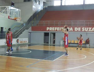 Equipe tem aproveitamento ruim nos lances livres (Foto: Thiago Fidelix / Globoesporte.com)