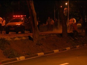 Bebê morre após ser lançado de carro durante acidente em Campinas (Foto: Reprodução / EPTV)