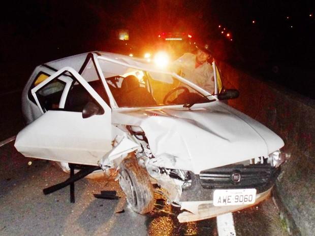 carro acidente marica (Foto: Romário Barros/ Lei Seca Maricá)