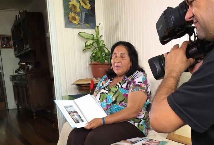 Tia Laura ajuda a fazer o mundo melhor  (Foto: RBS TV/Divulgação)
