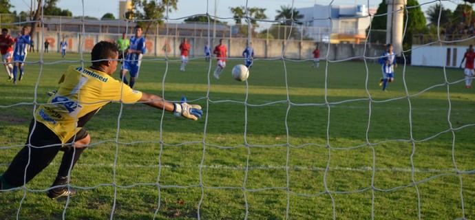 Kleyton mostrou segurança nas tentativas do Baré (Foto: Nailson Wapichana/GloboEsporte.com)