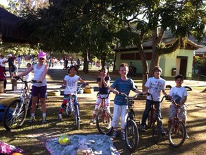 Crianças brincam no Parque Municipal de Petrópolis (Foto: Divulgação/Arquivo Pessoal)