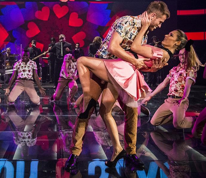 Fernanda Lima e Rodrigo Hilbert dançam juntos no Amor e Sexo (Foto: Raphael Dias/Gshow)